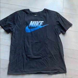 Nike t shirt short sleeve